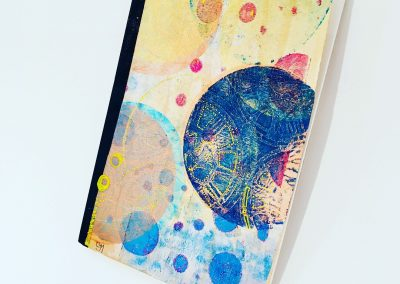 PAPETERIE-TYM-BLUEVERTSOUL-MIXED MEDIA ART-CARNET-COUVERTURE MONOTYPE-MOTIF CERCLES-PAGES LIGNÉES-FORMAT A5
