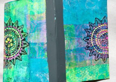 PAPETERIE-TYM-BLUEVERTSOUL-MIXED MEDIA ART-CARNET-COUVERTURE MONOTYPE-MOTIF MANDALA-PAGES LIGNÉES-FORMAT A6