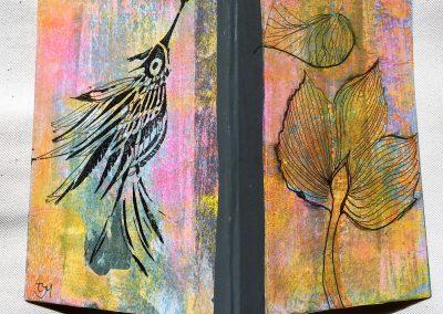 PAPETERIE-TYM-BLUEVERTSOUL-MIXED MEDIA ART-CARNET-COUVERTURE MONOTYPE-MOTIF OISEAU ET FLEURS-PAGES LIGNÉES-FORMAT A6