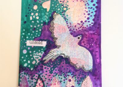 PAPETERIE-TYM-BLUEVERTSOUL-MIXED MEDIA ART-CARTE POSTALE-UNFOLD-COLOMBE-FORMAT A6-PAPIER ÉPAIS